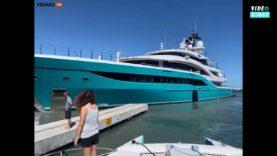 Huge-yacht-destroys-the-dock-of-a-yacht-club-in.jpg