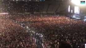Meanwhile-in-Eden-Park-NZ-50000-music-fans-pack-out.jpg
