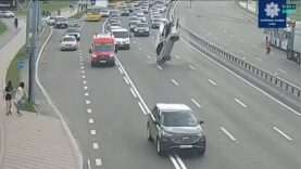Watch-Car-goes-airborne-on-highway-unexpectedly.jpg