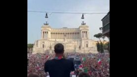 'It came to Rome' — Huge crowd in Rome celebrate