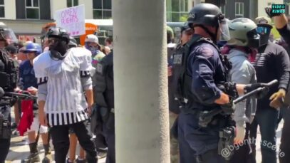 Antifa-activists clash with police forces at Wi Spa counter-protest in