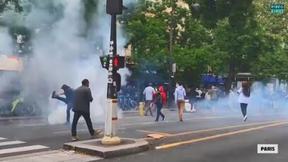 French Police forces in Paris try to disperse peaceful protesters